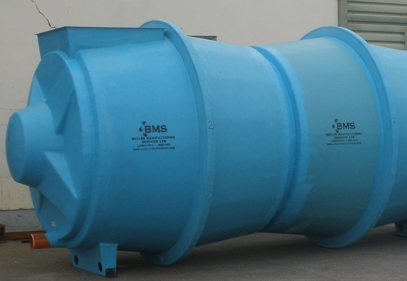 An example of a standard horizontal sewage settlement tank
